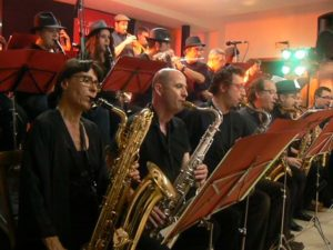 13 domingo THE CONTRAPUNTO  BIG  BAND - Plaza la Verdura , 13:00 h